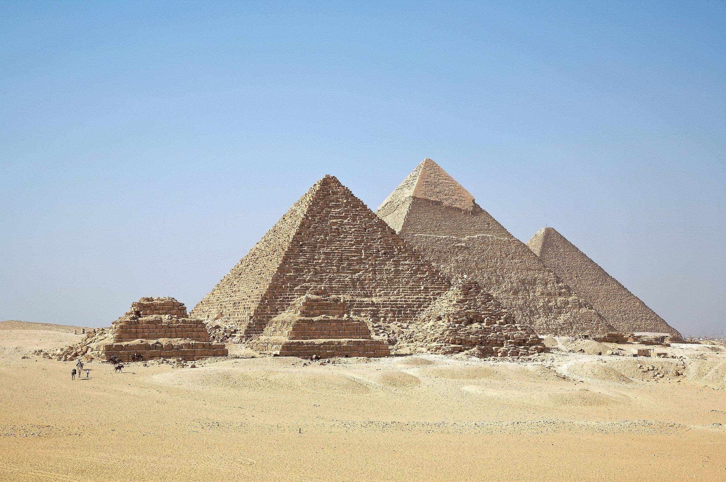 PyramidsOfGiza_1.jpg