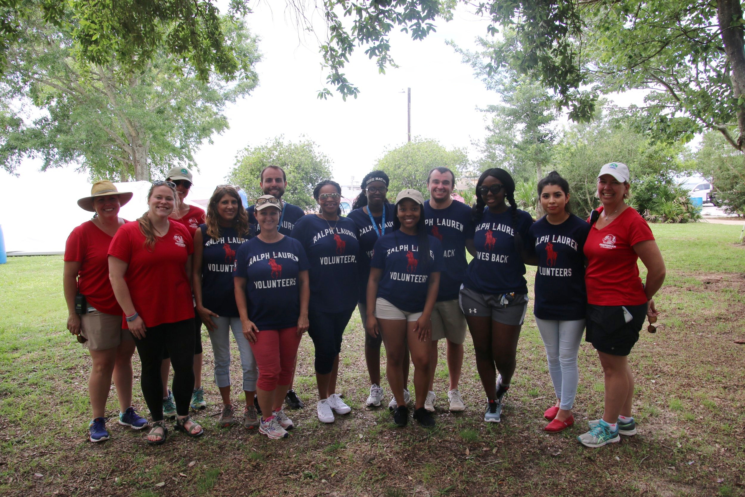 We were lucky to have a wonderful group of volunteers from Ralph Lauren Polo help us set up the race course on Friday!