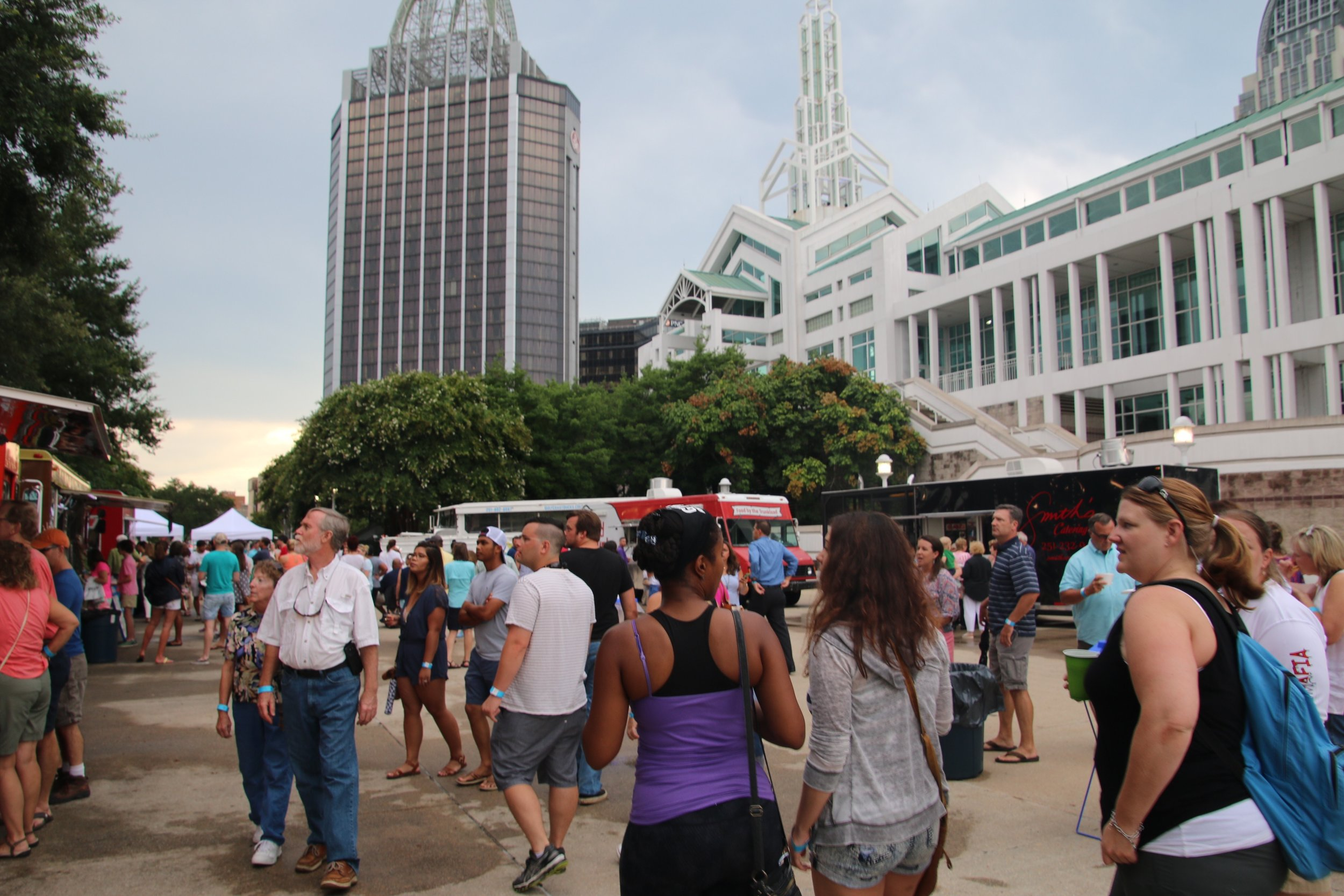 Foodtruck Lines.jpg