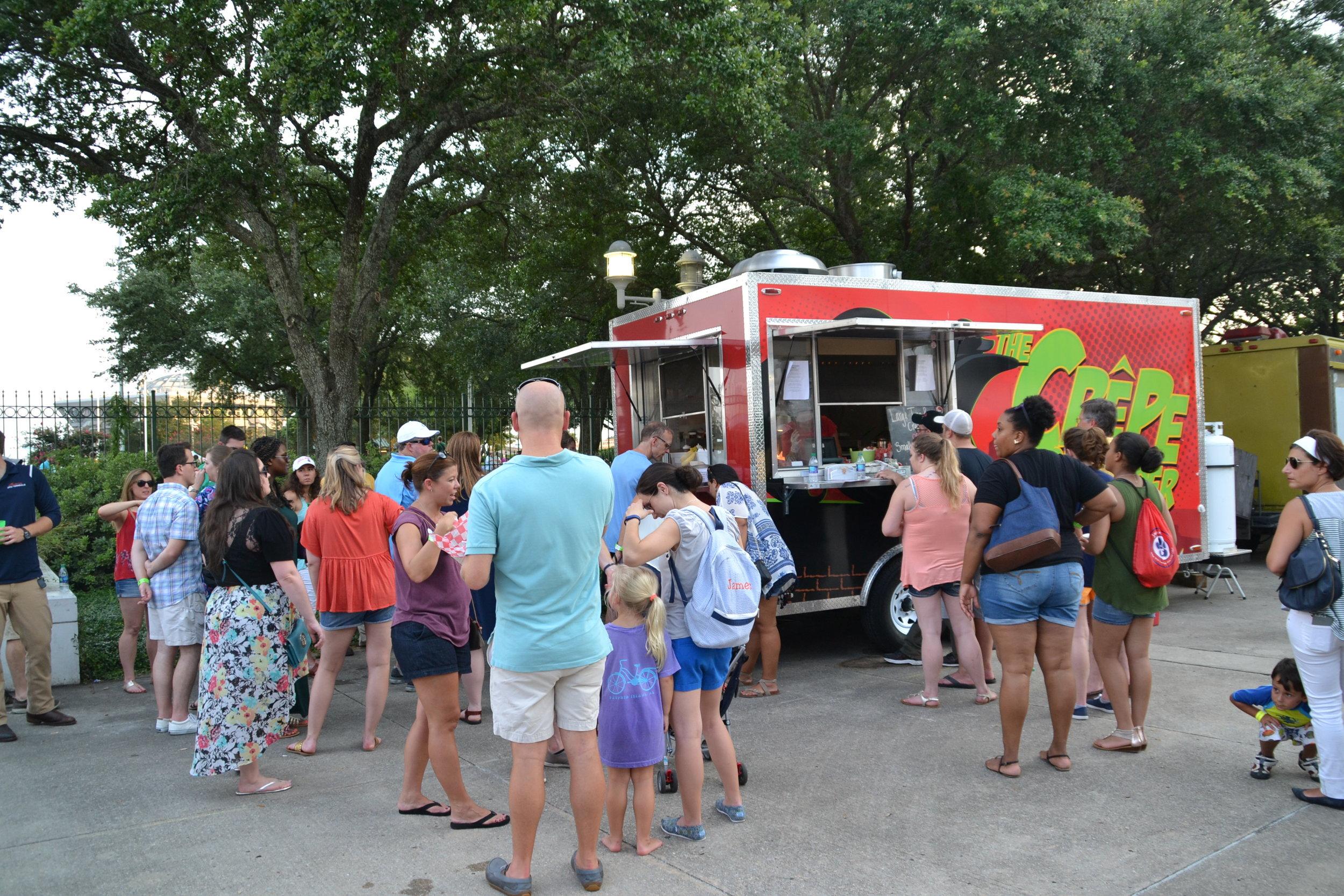 Food Truck Crowds 3.JPG