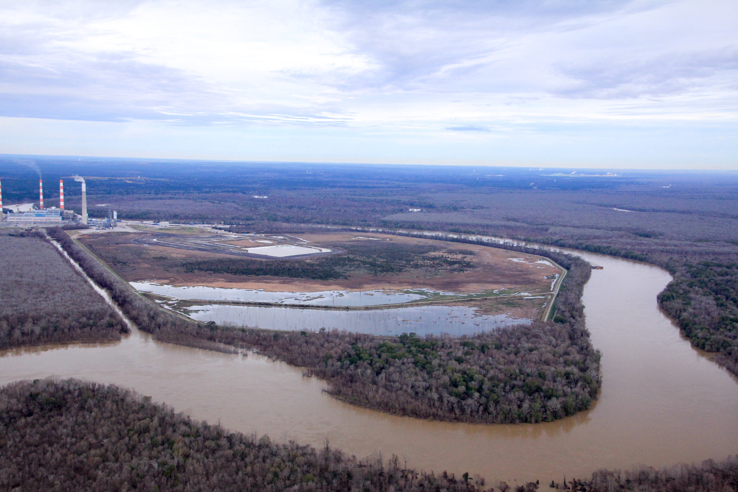 Flooding in January 2016 begins to cover the area near Plant Barry's coal ash pond.