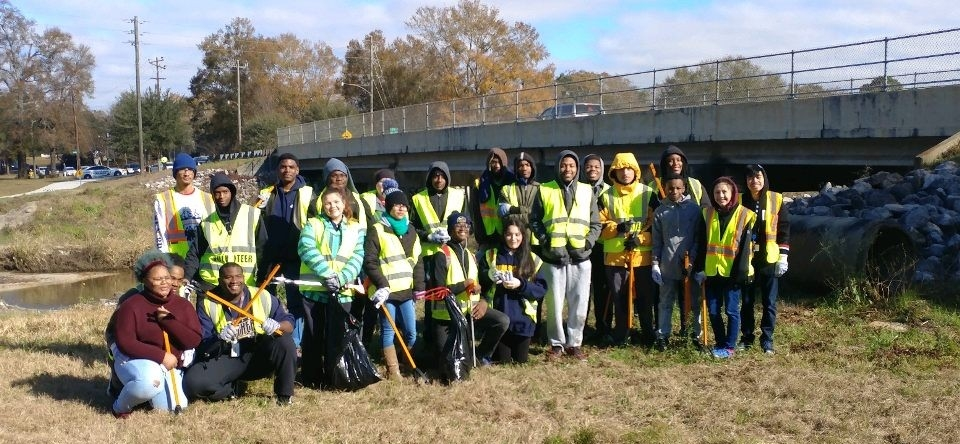 Murphy High Robotics team was one of the many community groups who volunteered.