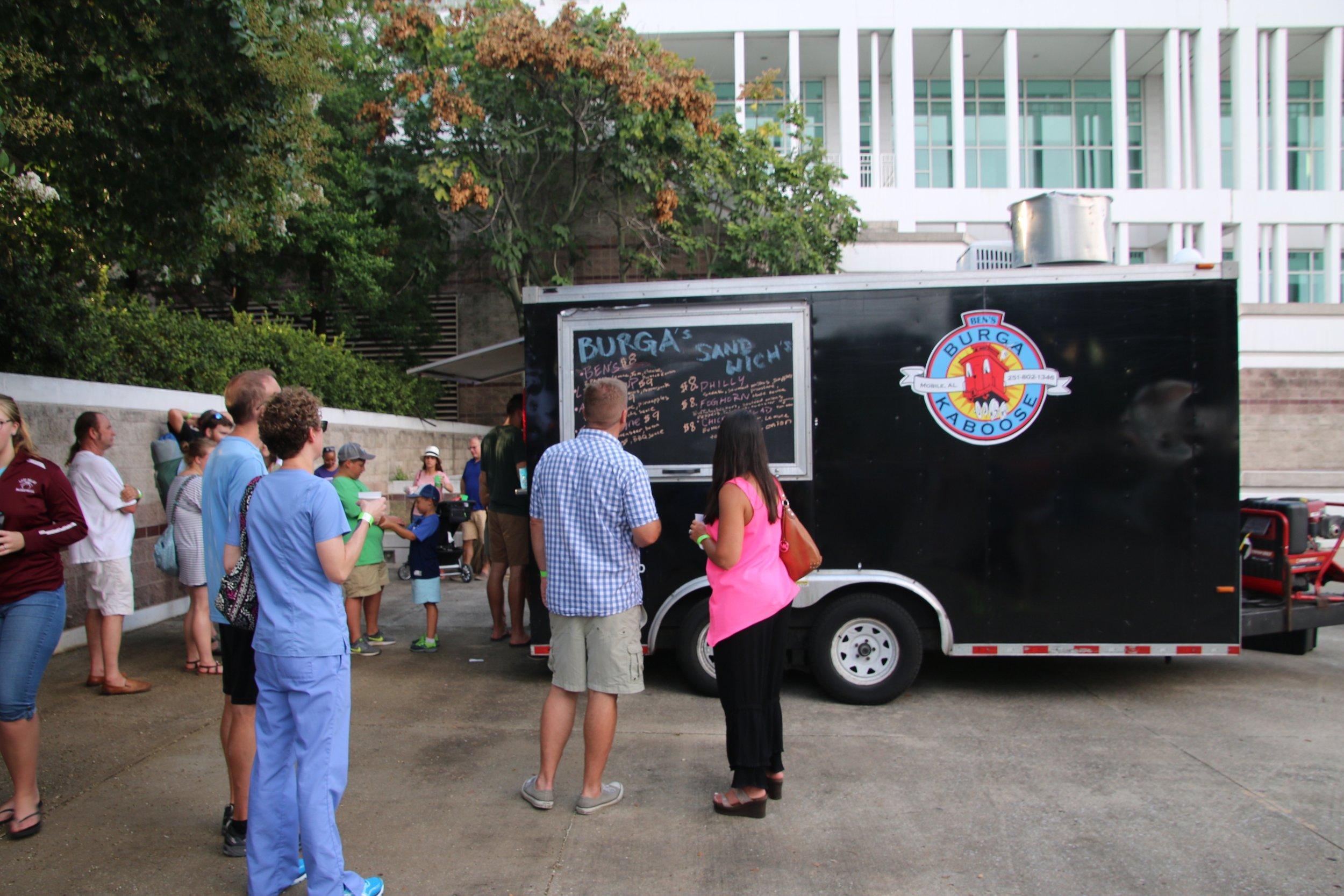 Food Truck Crowds 7.jpg