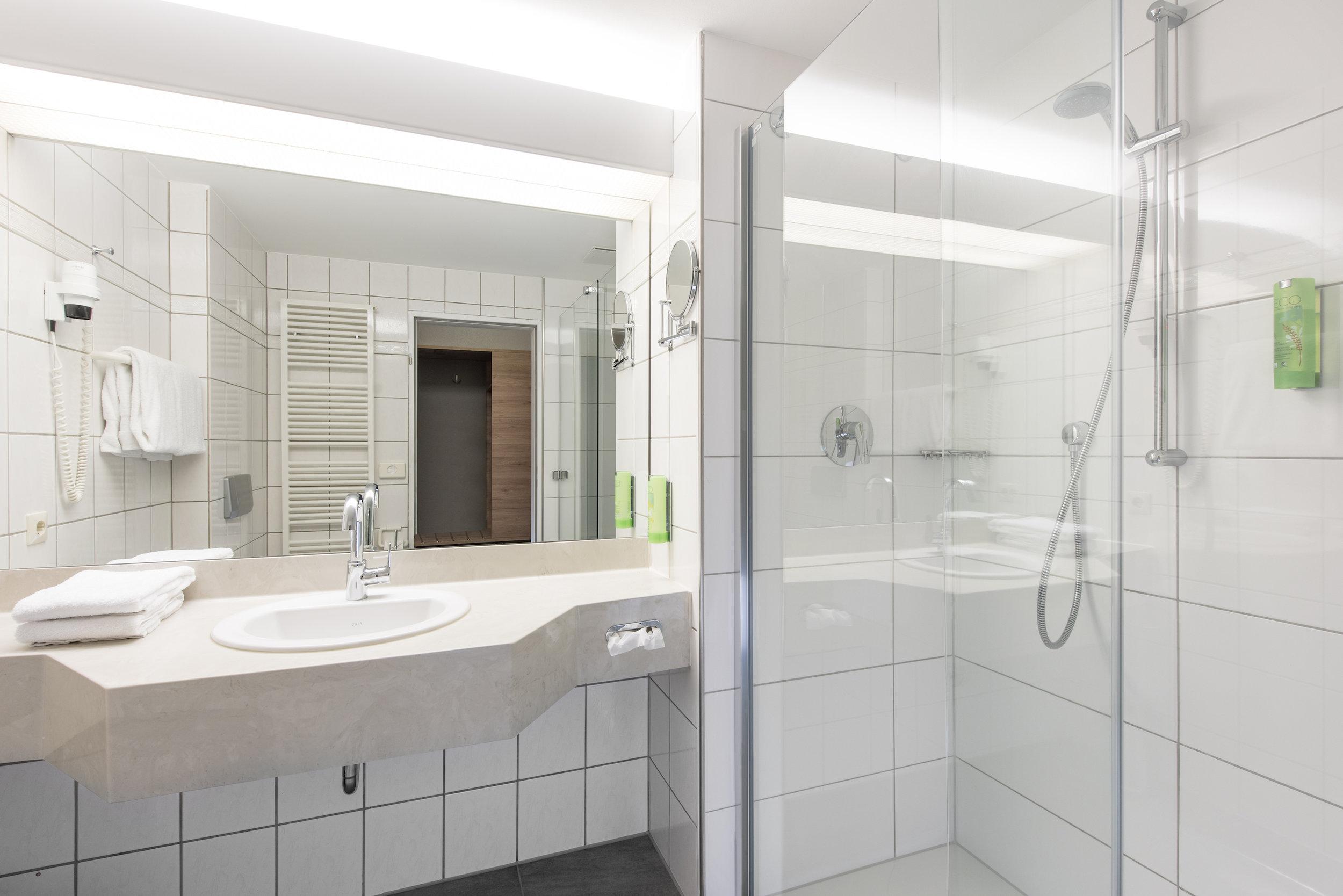 Idingshof Hotel Bramsche - Duschen mit Echtglas