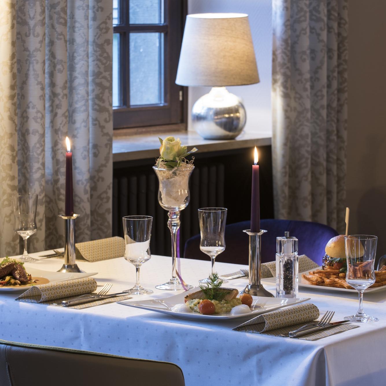 het restaurant - ->