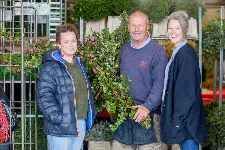 Day 4 of British Flowers Week 2016, featuring Anna Day and Ellie Jauncey of The Flower Appreciation Society with David Gorton from GB Foilage, presented to you by New Covent Garden Flower Market