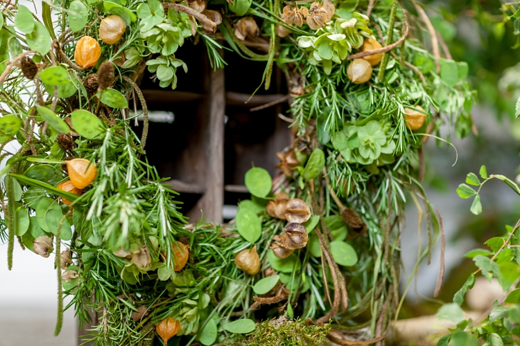 Abigail MacNiven, Petal & Stalk rustic wreath for British Flowers Week 2017 by New Covent Garden Flower Market