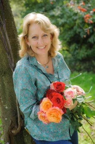 Helen-Chambers-Evolve-Flowers
