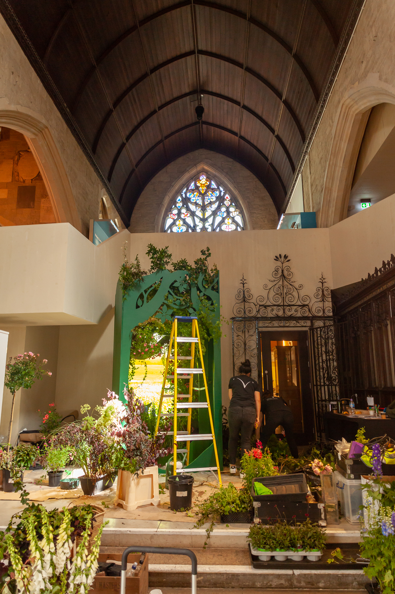 Veevers-Carter-installation-British-Flowers-Week-2018-at-Garden-Museum-by-New-Covent-Garden-Market (3).jpg