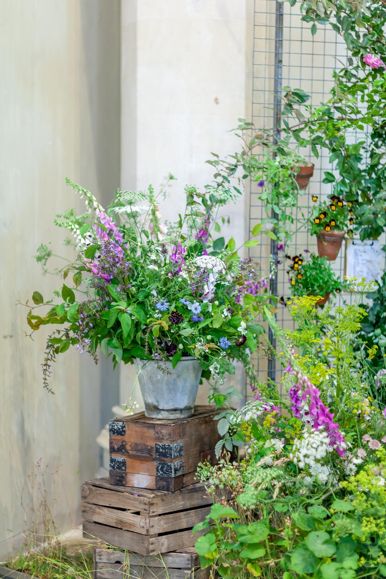Wolves-Lane-Flower-Company-installation-British-Flowers-Week-2018-at-Garden-Museum-by-New-Covent-Garden-Market (4).jpg