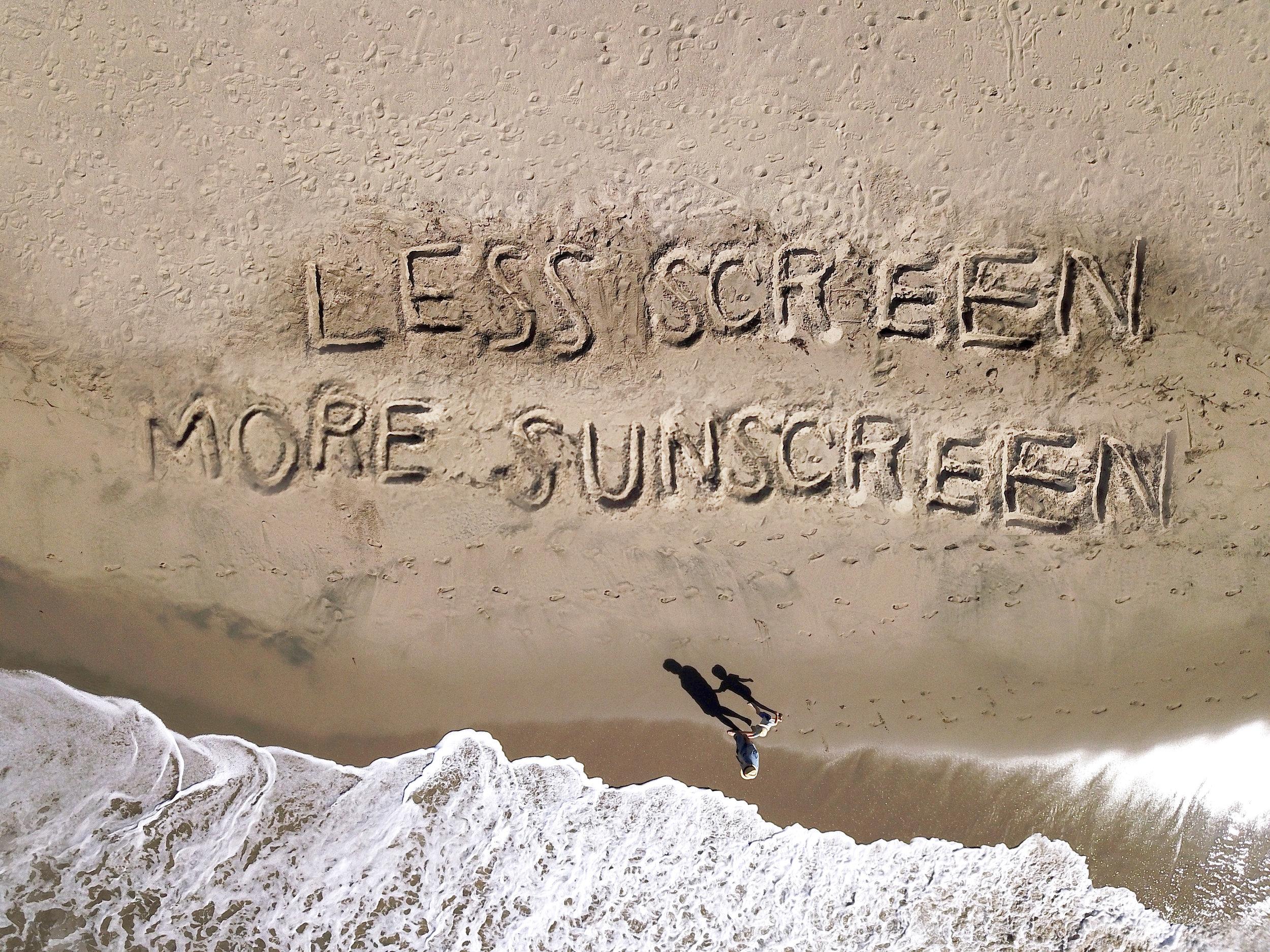 BeachWisdom_LessScreenMoreSunscreen 01C.jpg