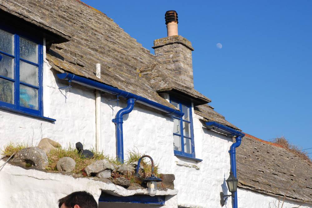 lulworth-squareandcompass-bars-pubs-1531-large.jpg