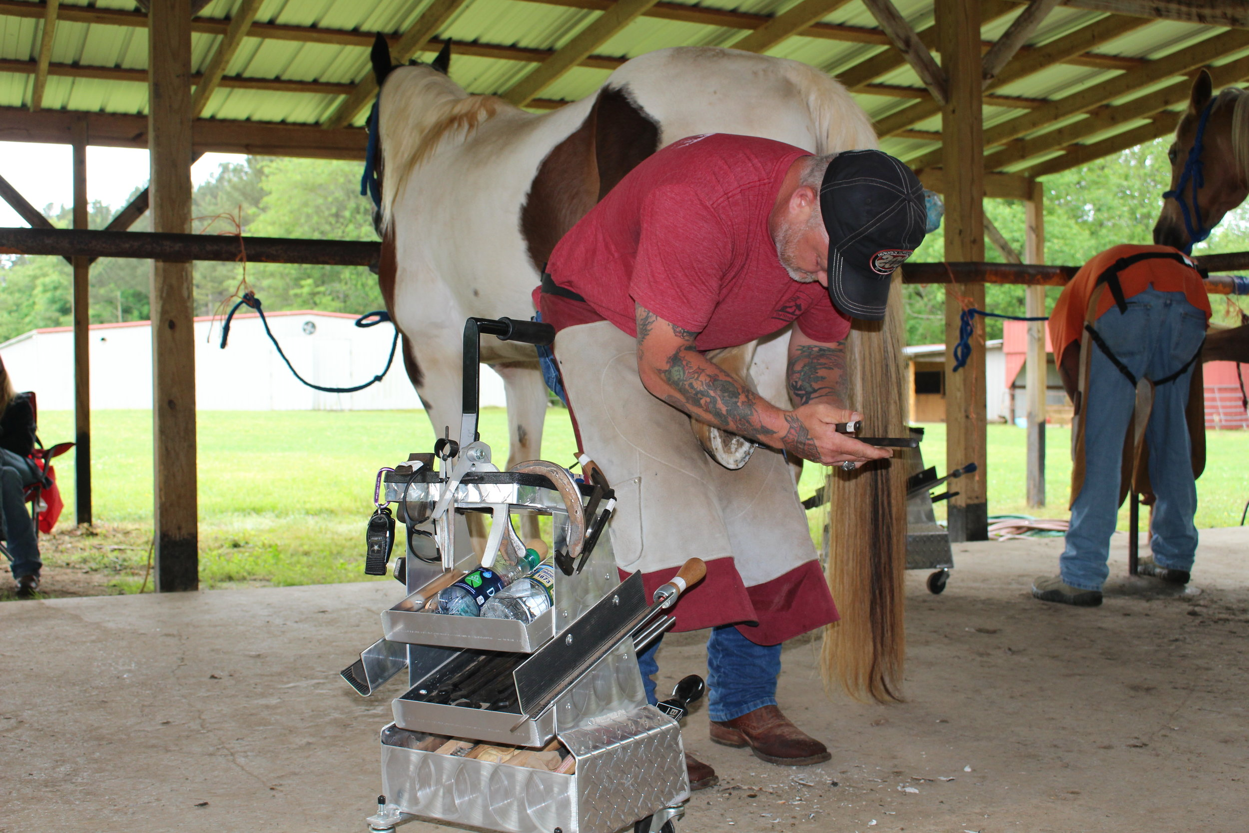Casey & Son Horseshoeing School of Georgia farrier students shoeing, Link Casey, Owner, Instructor