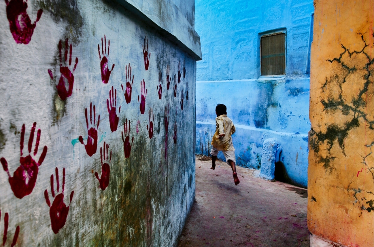 One of Steve McCurry's photographs from the  current exhibit . I will be discussing a different piece.