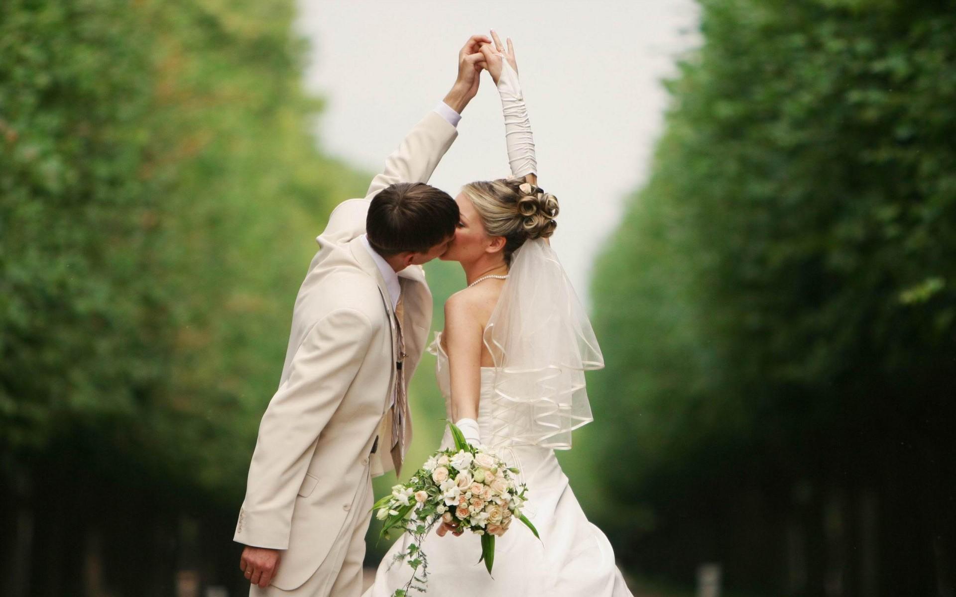 Wedding-Kiss-Photos-2013-HD-Wallpaper.jpg