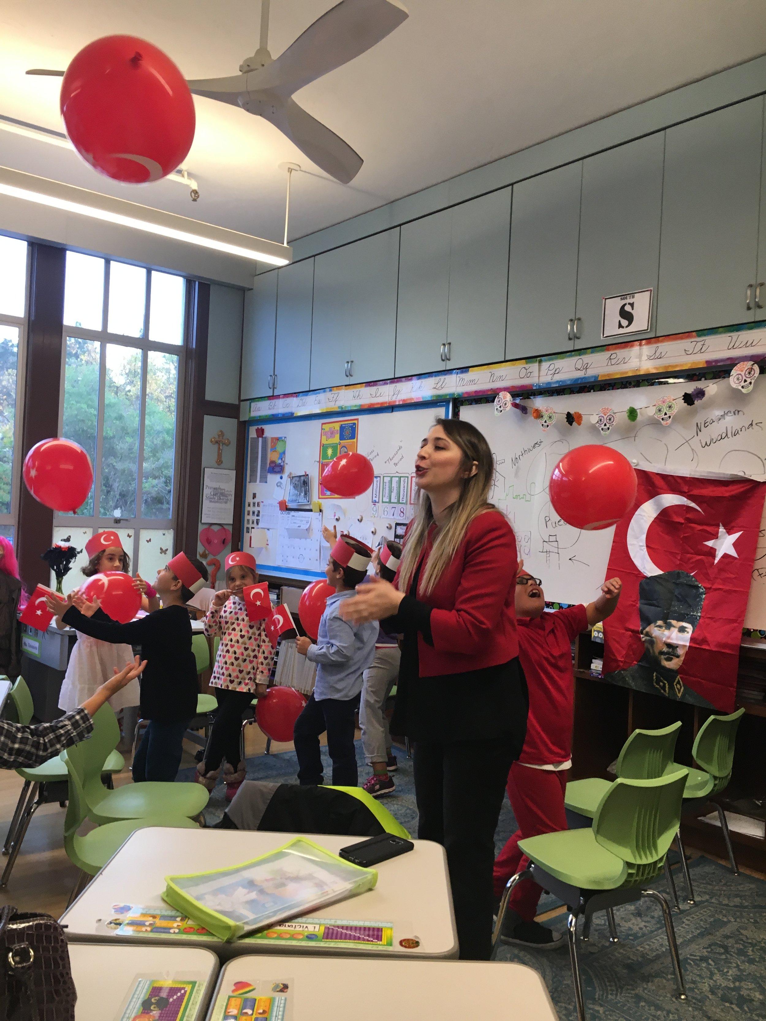 Aygegul Hanim's Cinar classroom celebrating