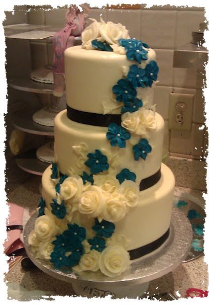 Cammie cake blue flowers