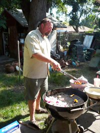 200x267xjeffrey_bbq.png.pagespeed.ic.mMALe32pVy.jpg