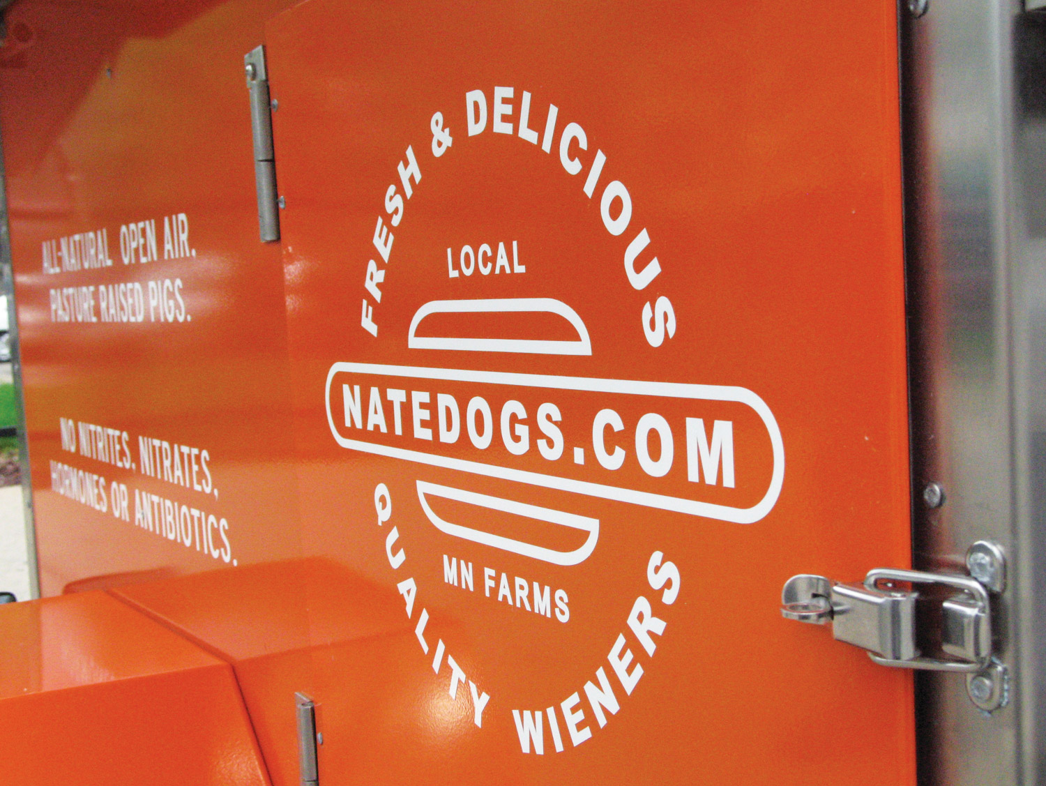Natedogs-Food-Cart-Sign-02.jpg