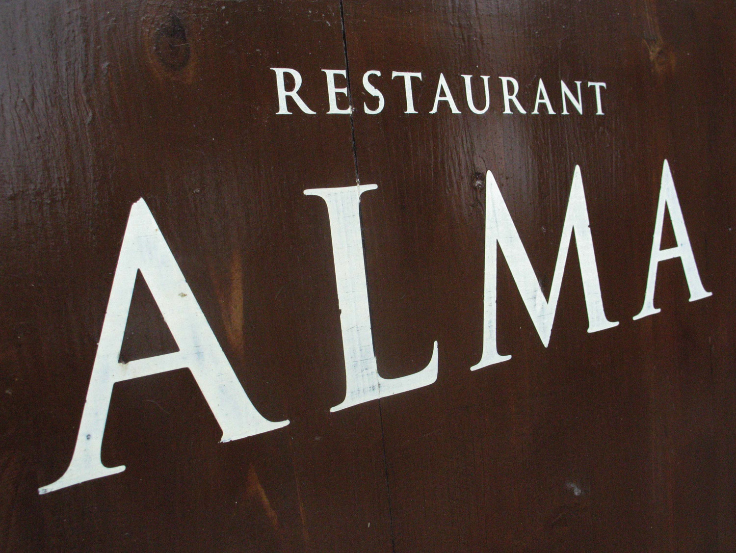 Restaurant-Alma-Sign-01.jpg