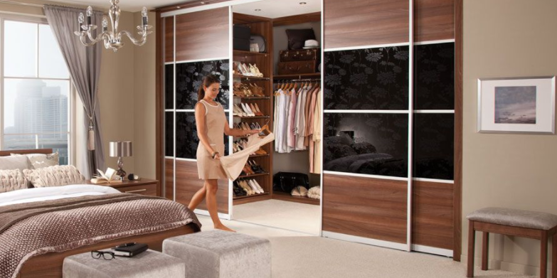 Before shopping, review what you already own and determine where to fill in the gaps.  Always picture sale items in your closet and determine if they will work well with things you already own. Color palettes, prints, and styles can differ greatly between wardrobes.