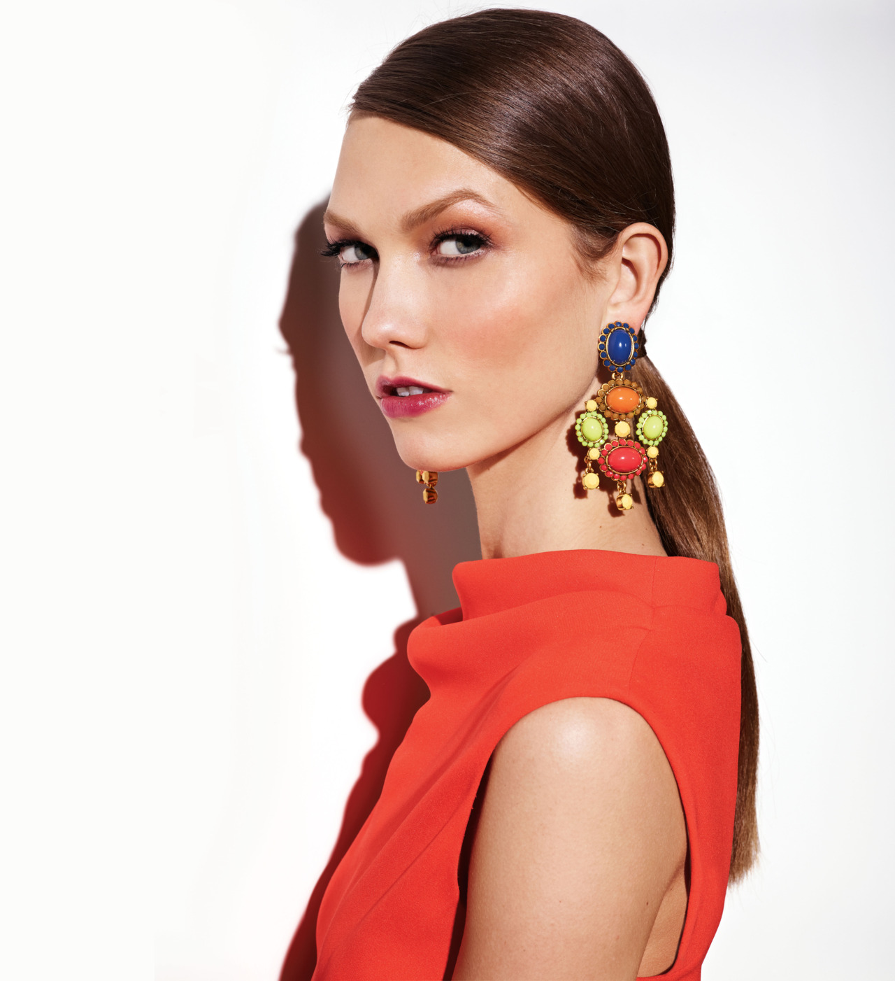 The creative element of a statement earring not only gives your look some spunk, but others will naturally be drawn upwards towards your face and accentuates your best features.