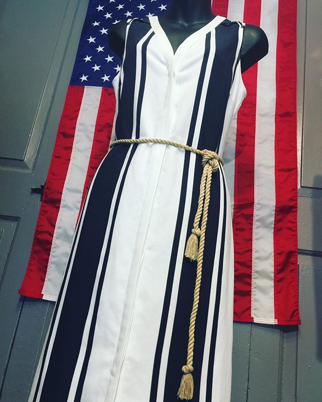Dress up for the holiday! Come over to Tracy Brent Collections for some patriotic attire, perfect for Memorial Day! 🦅🎉