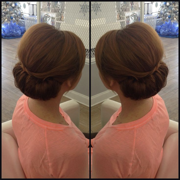 Bleu calls their up-do's'Uptowners.' This Uptowner is simple and sophisticated. | Hair:  Bleu, a Blowdry Bar  |  Photo Credit