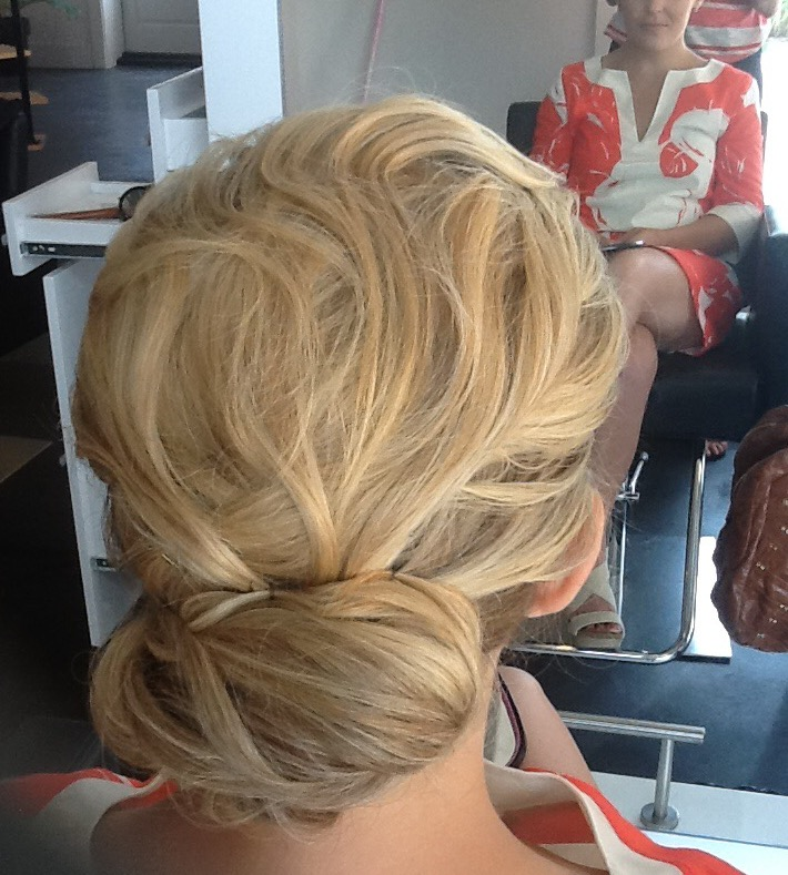 A messy bun would be perfect for a laid back, outdoor NOLA shindig this summer. | Hair:  Blush and Bashful  |  Photo Credit