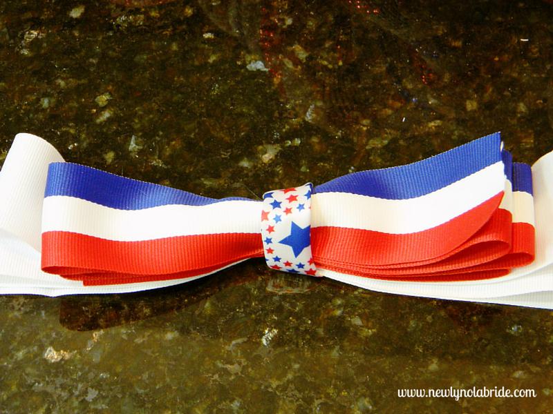 DIY patriotic Memorial day, Labor day, 4th of July wreath.  Easy to make!