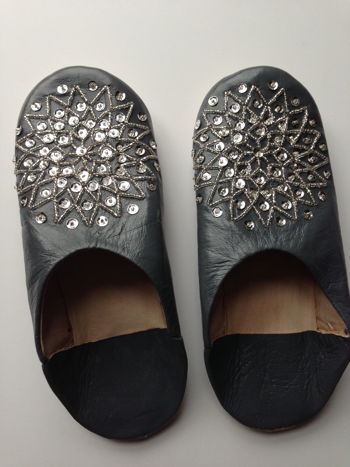 babouche/house slippers in grey