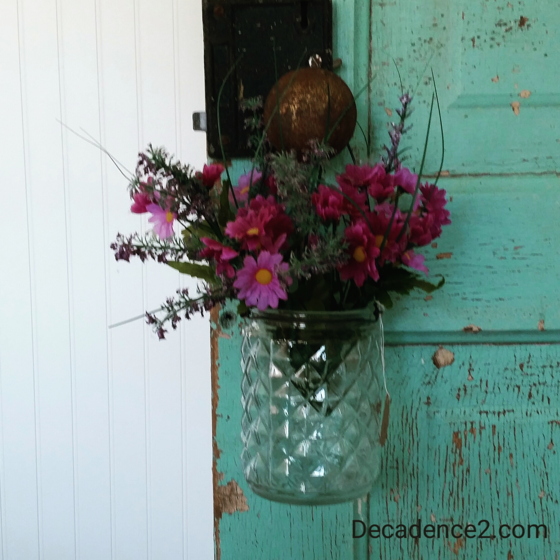 purpleflowers glass vase turquoise door decadence2