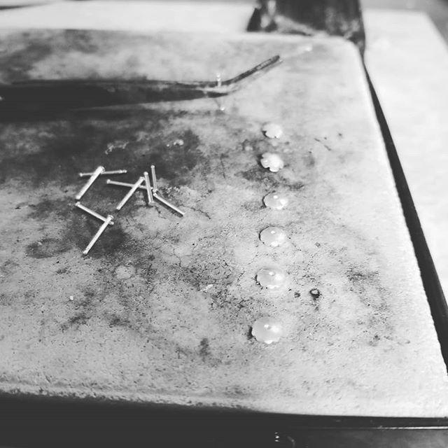 Tiny sterling silver flower post earrings are back in stock!  #studio #sterlingsilver #flowers #flowerearrings #metalsmith #riojeweler #decadence2boutique #decadence2dotcom #flowers #silver #jewelry #madeinck #shop519 #rustic #shopck #ridgetown #palmyraontario #myck #shoplocal #bohostyle