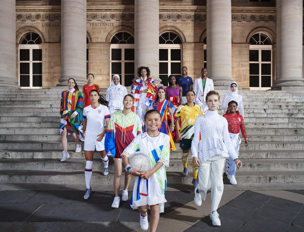 Nike-National-Team-Kit-Group-Paris-Elaine-Constantine-2_native_600.jpg