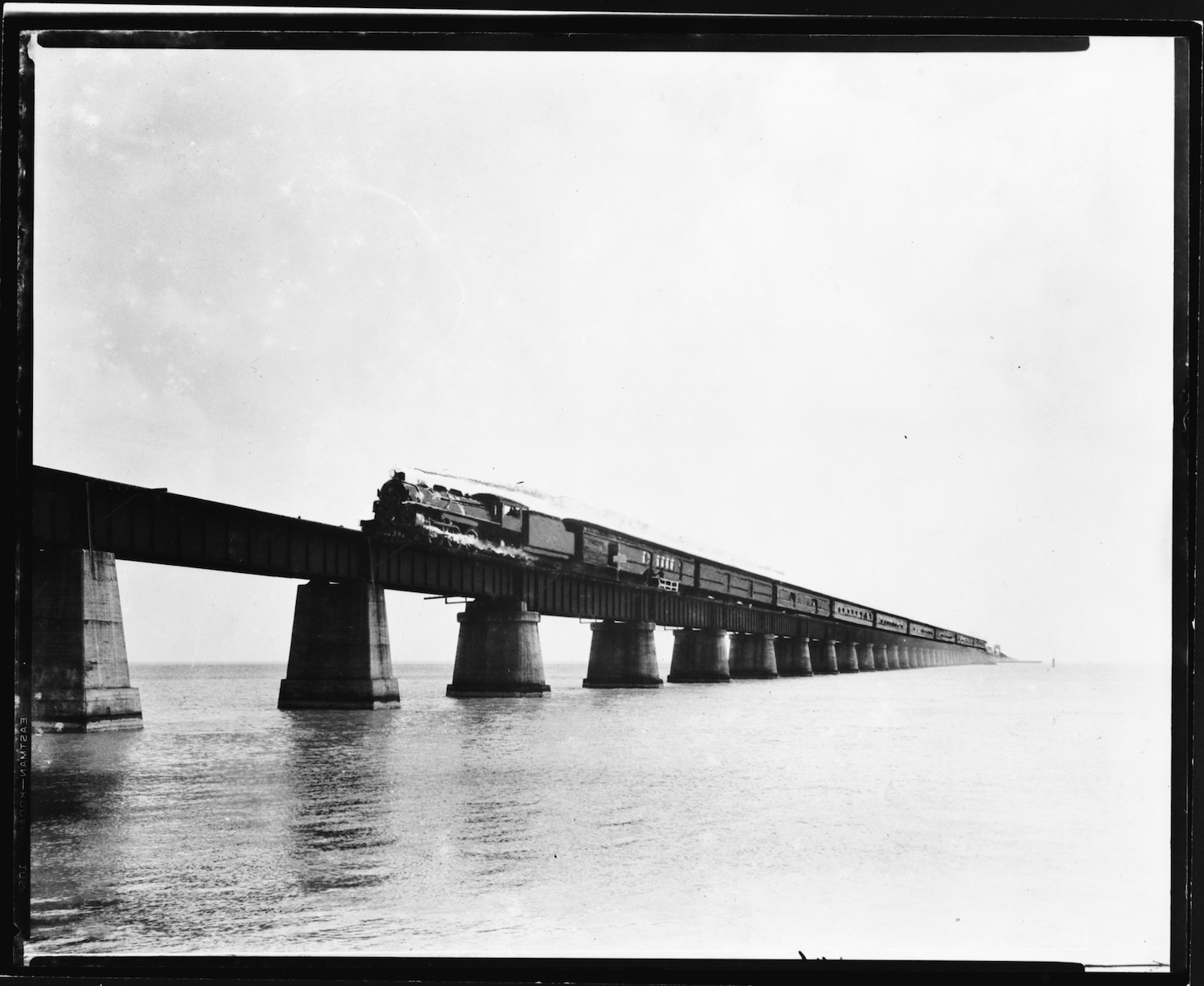 Train, Knight's Key Bridge.jpg
