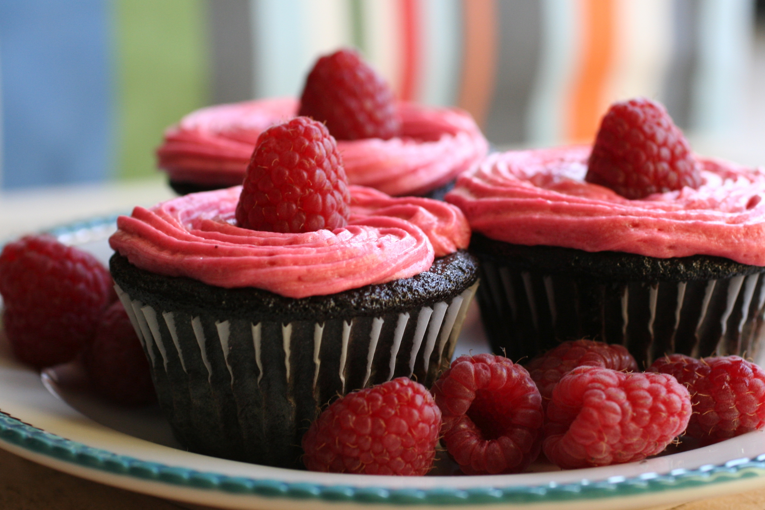 Chocolate_Cupcakes_with_Raspberry_Buttercream.jpg