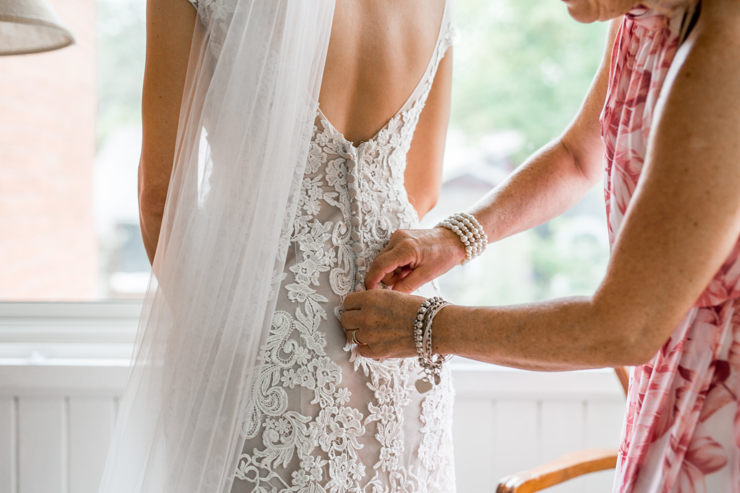 Lace Wedding Dress - MOH Guide