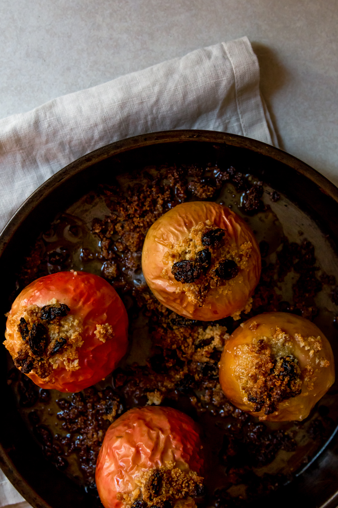 Stuffed baked apple -6.jpg