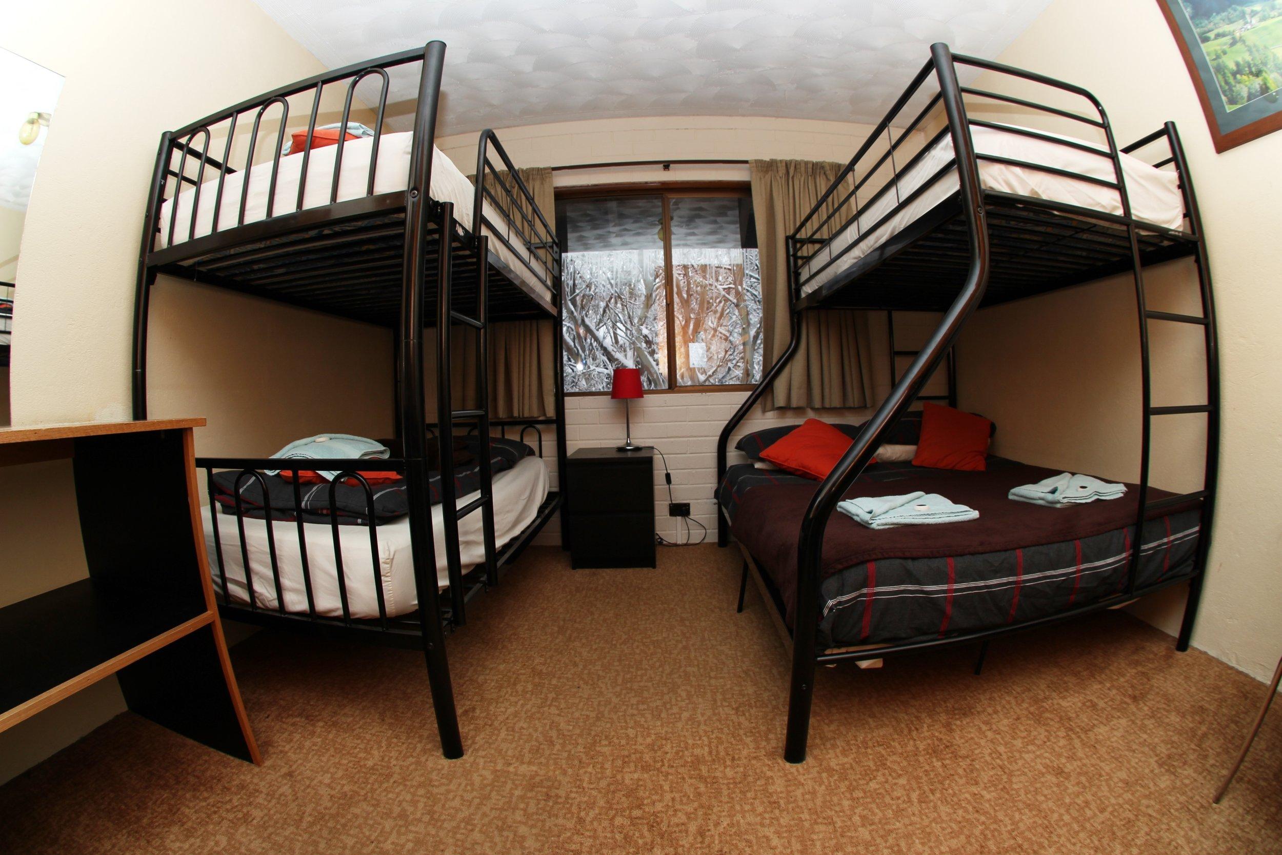 Alpine room for 5.JPG