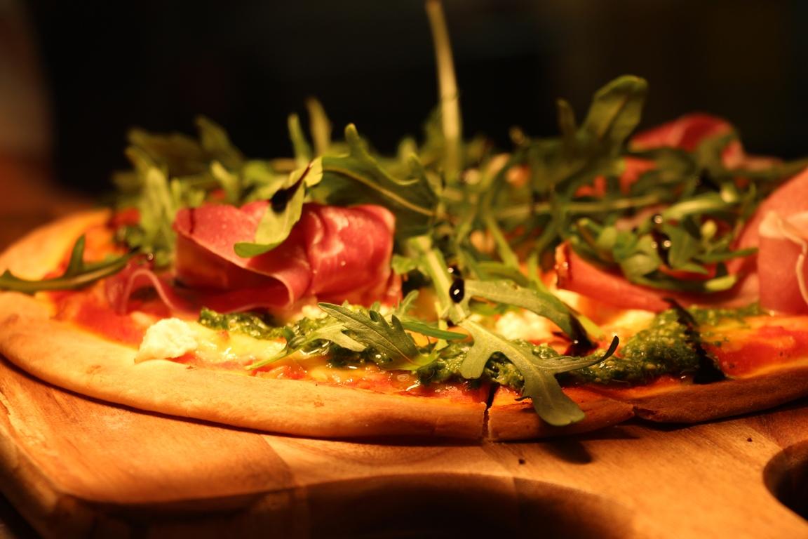 prosciutto pizza.jpg