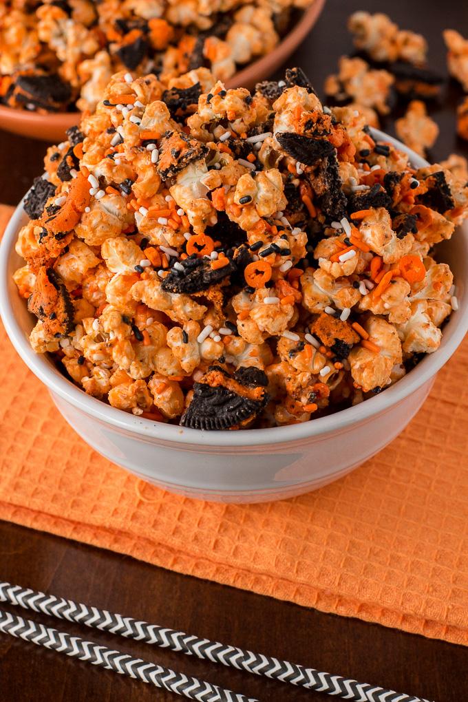 Halloween-Oreo-Popcorn-14.jpg