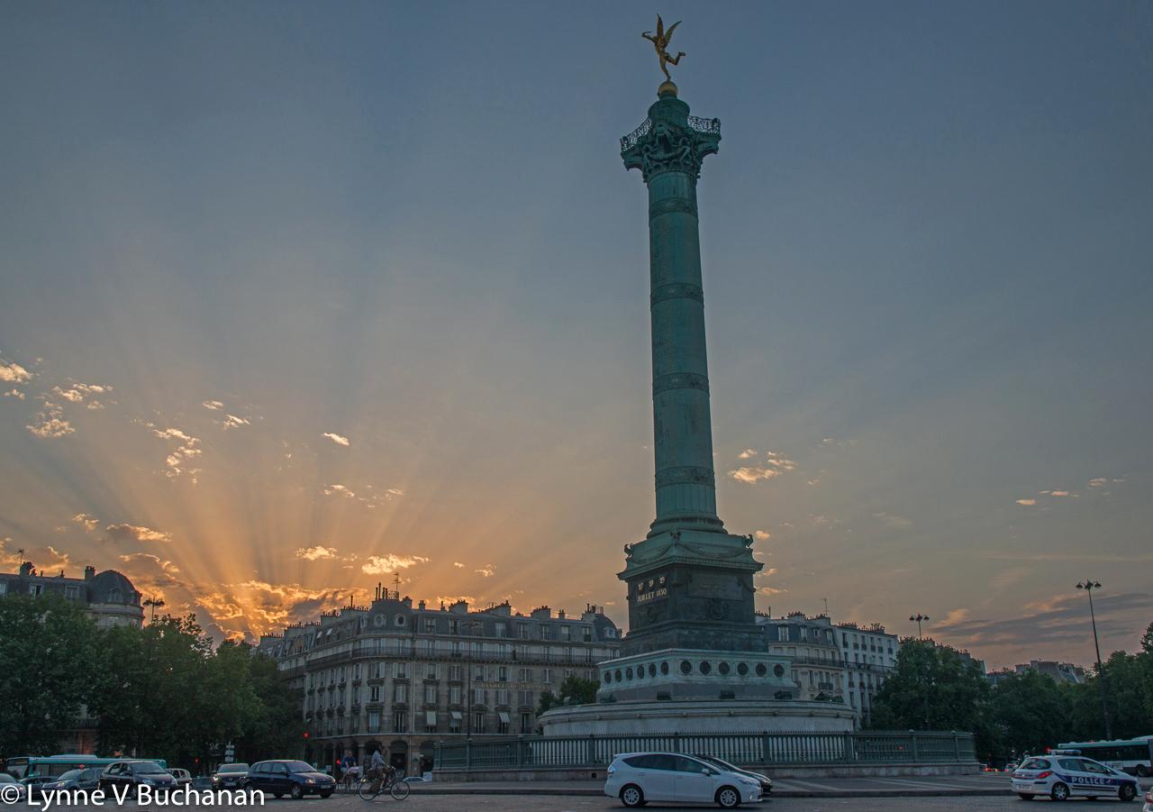 Colonne de Juillet with God Rays