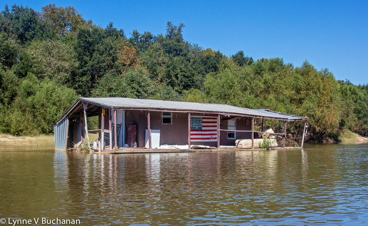 Real American Floating House, Apalachicola River