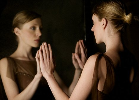 woman in the mirror