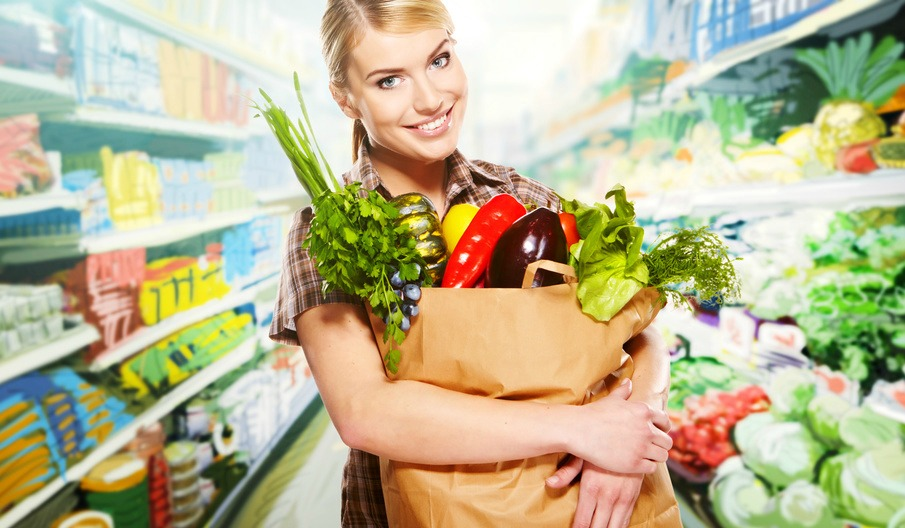 woman shopping healthy food