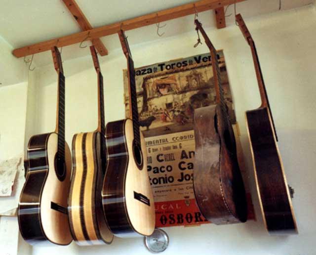 guitarsRom.jpg