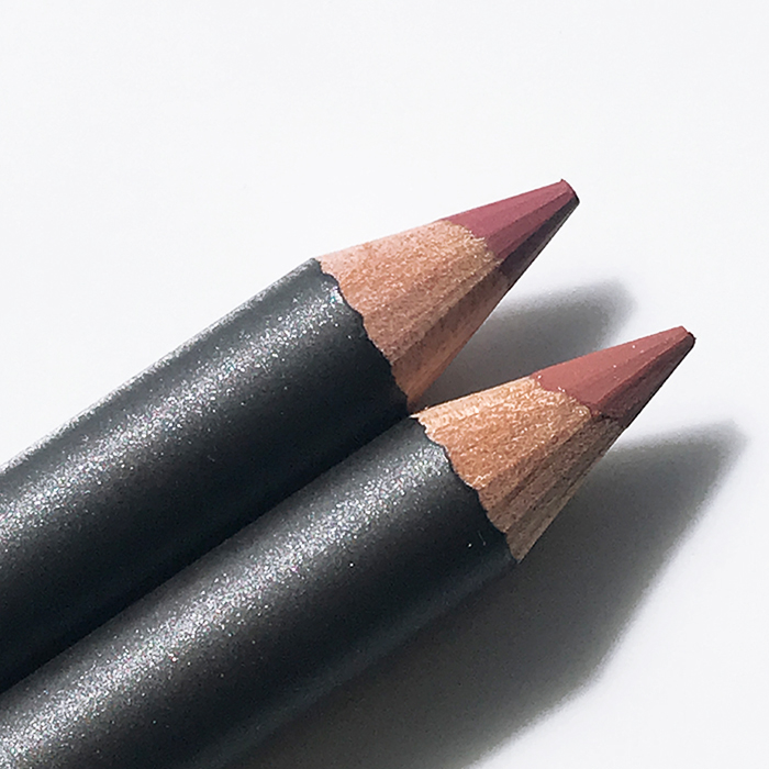 MAC Lip Pencils In 'Soar' (top) And 'Spice' (bottom)