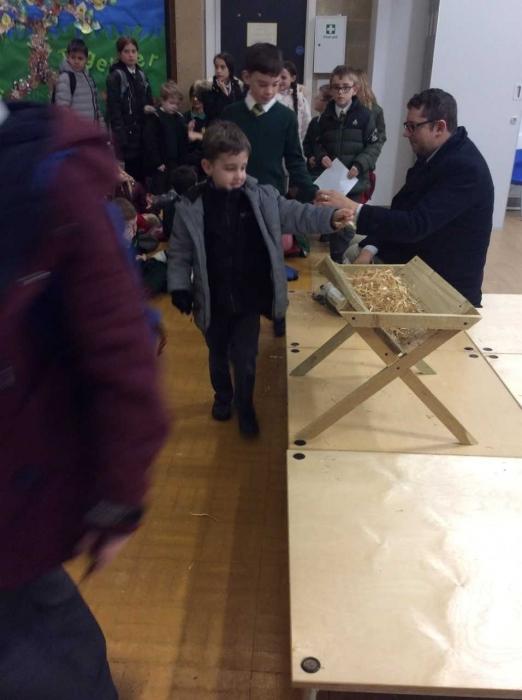 Children preparing Jesus' home for Advent