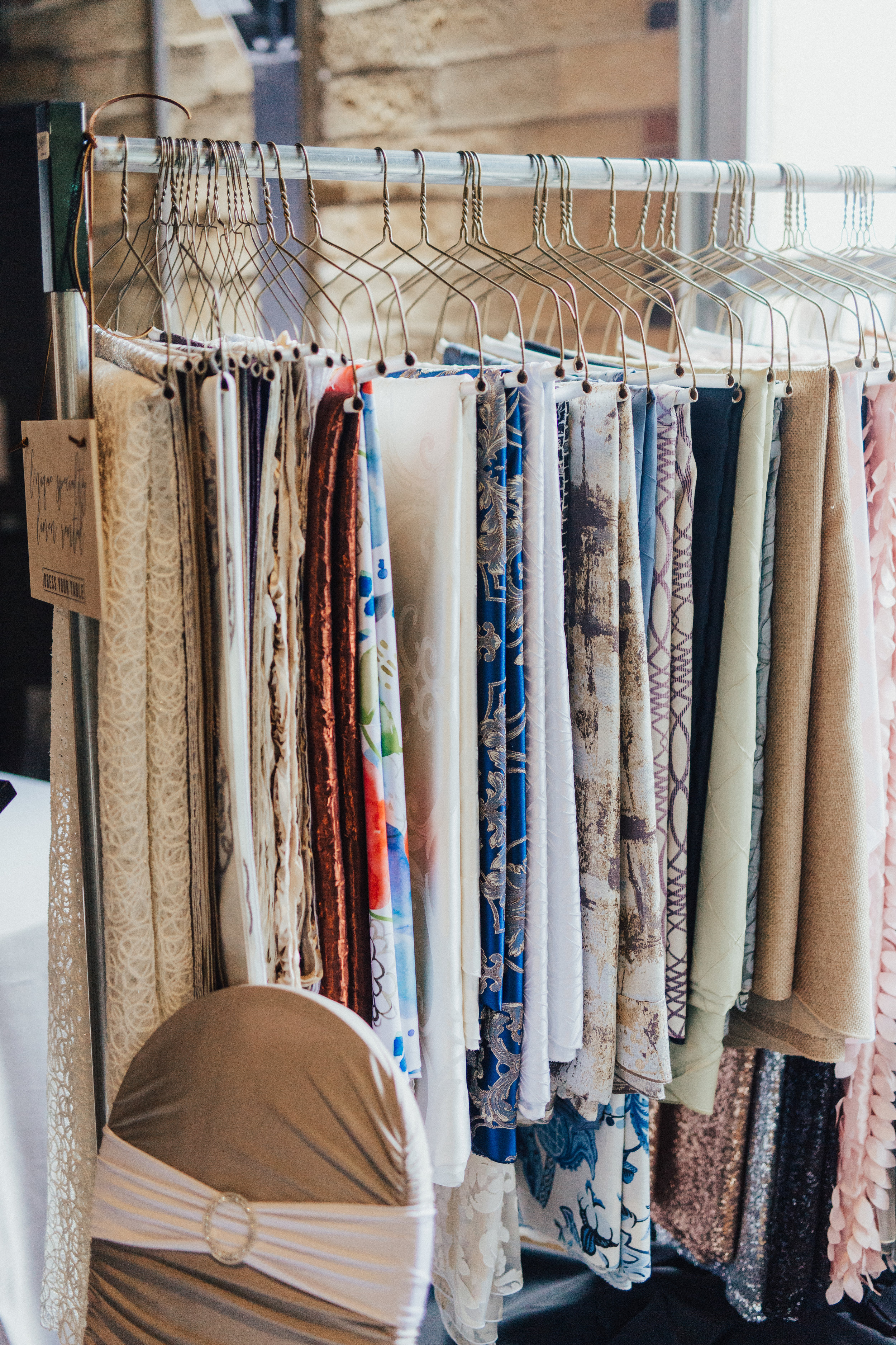 L'Nique Specialty Linen Rental - offers linen-related services for the special events industry, including rentals, laundry, purchase, set-up labor and more!