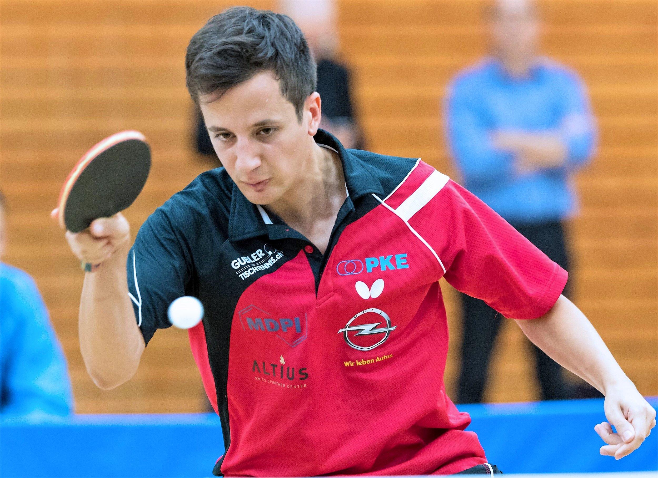 Karim Ayadi gelang im Heimspiel ein Sieg gegen den höher eingestuften Deniel Suvorin.